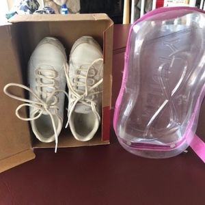 Nfinity Cheer Shoes Great Shape